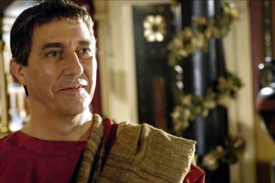 Julio César: Un erasmus por la Grecia antigua, unos piratas y el tío más chulo de Roma