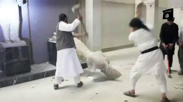 Estado Islámico destruyendo patrimonio por fanatismo