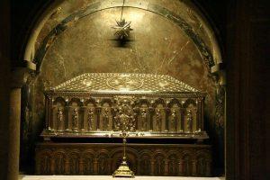 tumba de Prisciliano o del apóstol Santiago en Santiago Compostela
