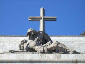 La Piedad del Valle de los caídos tumba de Franco y fosa común hecho por presos republicanos