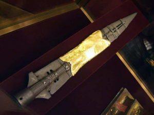 La Lanza del Destino o Lanza Sagrada de Longinos Viena. Con ella, según la Biblia, atravesaron el costado de Cristo, una de las reliquias más buscadas