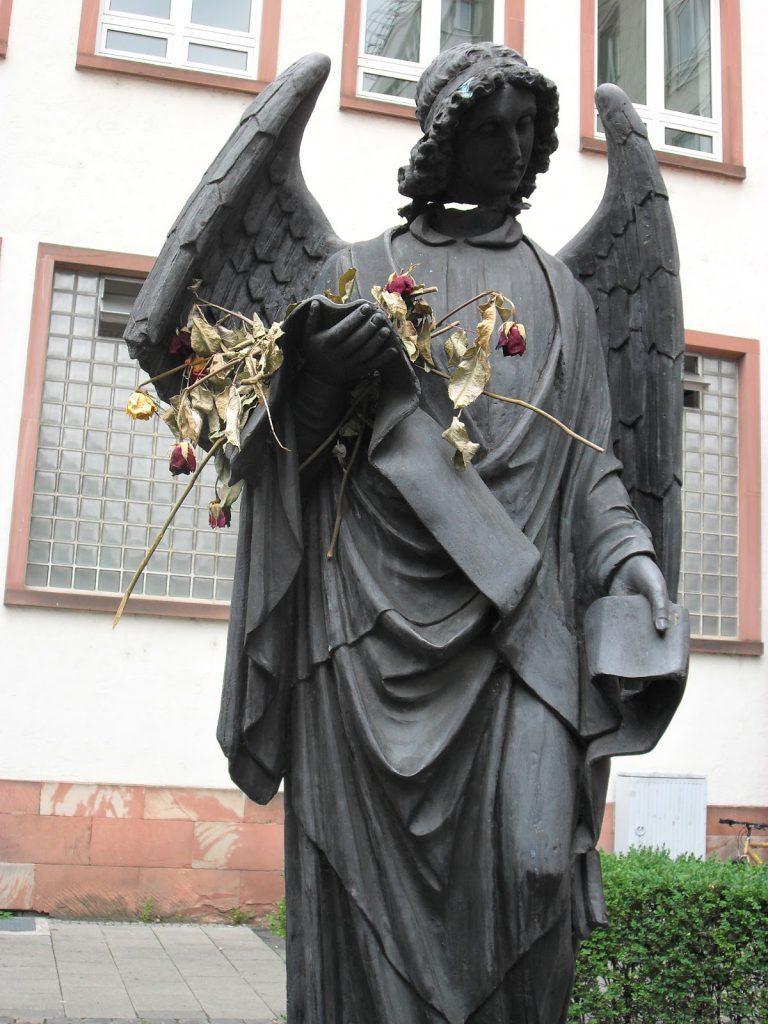 ángel Frankfurt homenaje homosexuales asesinados holocausto nazismo