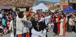 obispo Llanera excomulgar