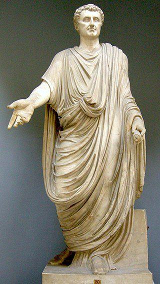 Escultura del emperador Nerva togado, S.I. togas de los patricios romanos
