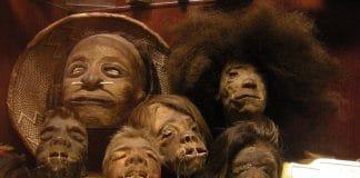 tzantza la reducción de cabezas de los shuar