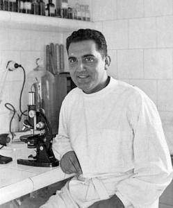 Frederic Duran i Jordà en su clínica
