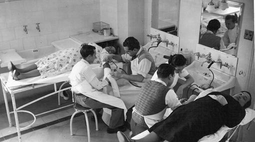 Frederic Durán i Jordà realizando transferencias de sangres