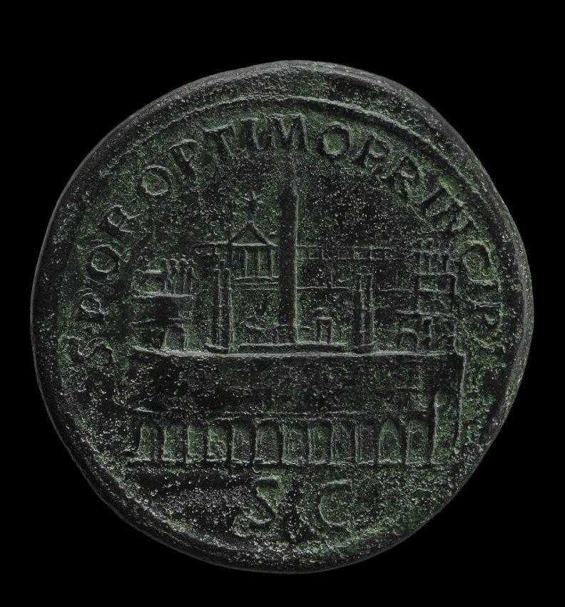 Reverso de un sestercio de Trajano, datado entre 103-111; con representación del Circo Máximo