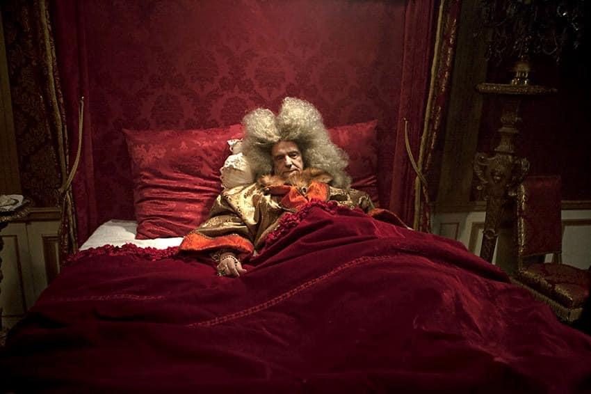 """Fotograma de la película """"La mort de Louis XIV"""" (Albert Serra, 2016)."""