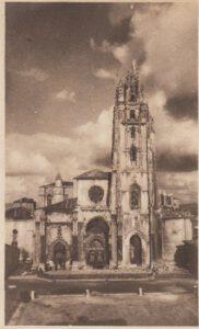 La catedral de Oviedo hacia 1939