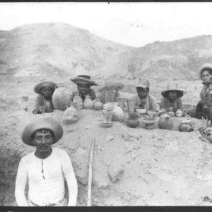 Huaqueros en Perú