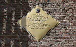 Placa conmemorativa del Lyceum Club.