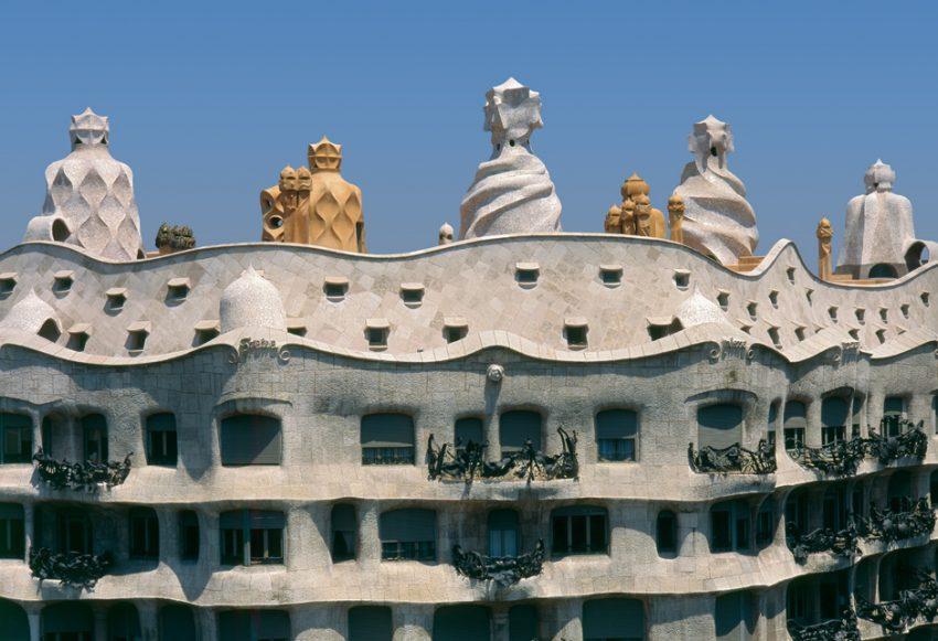 casa mila fachada y azotea la pedrera de Gaudí