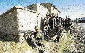 Militares disparando octubre negro de 2003
